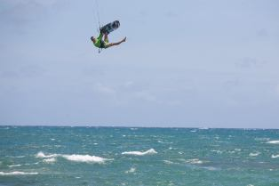 Anthony-KiteSurfing-Guadeloupe-High
