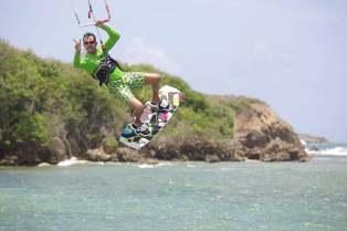 Anthony-vous-salue-KiteSurf-Guadeloupe